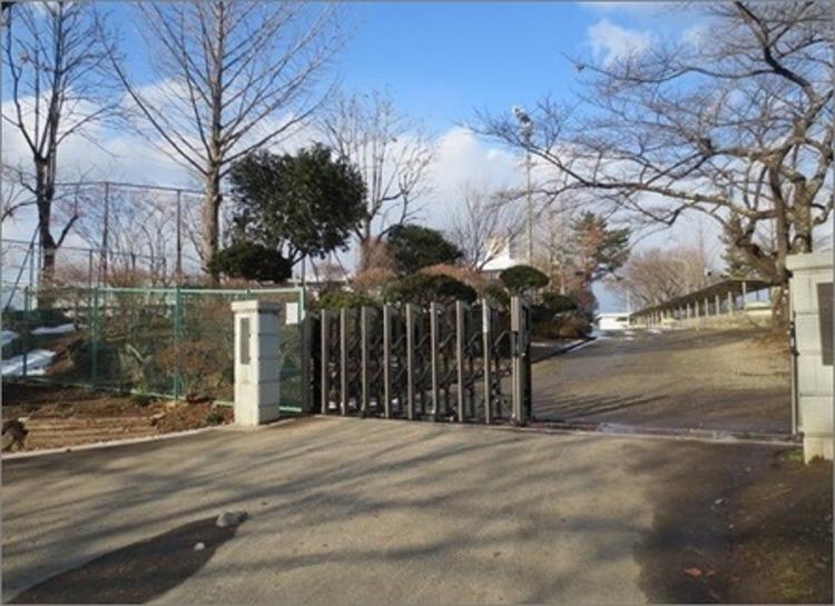 大沢中学校 徒歩45分(約3600m)