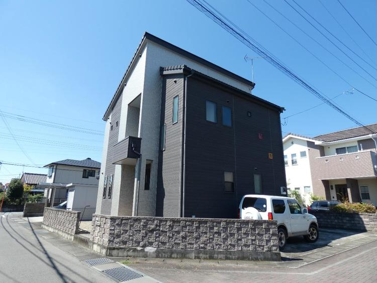 高崎線「倉賀野」駅徒歩圏内の立地です。