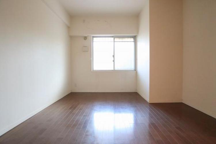 約6.8帖ある主寝室になっています♪