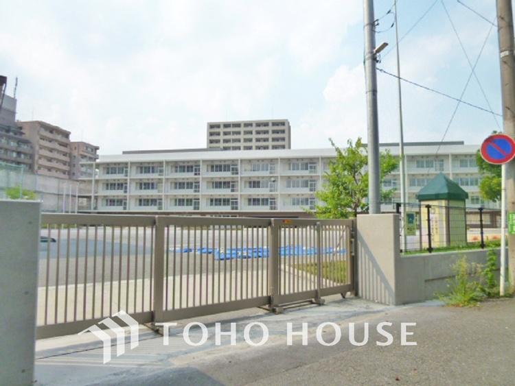川崎市立上丸子小学校 距離550m