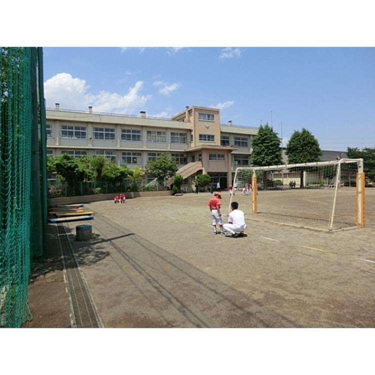 さいたま市立北浦和小学校(約480m)