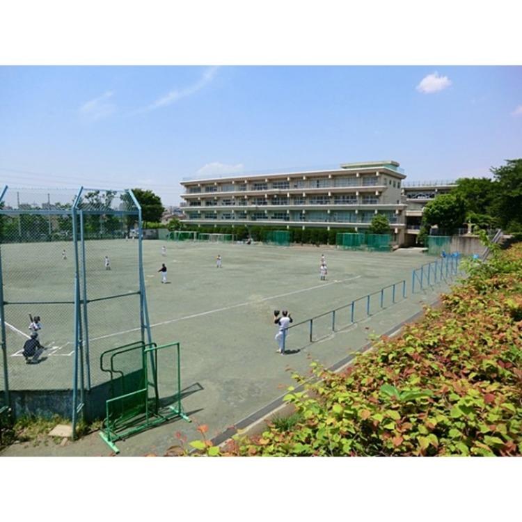 さいたま市立本太中学校(約750m)