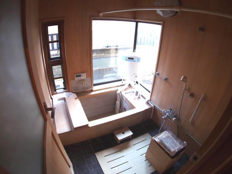 毎日のお風呂の時間が楽しみになりそうな浴室ですね。