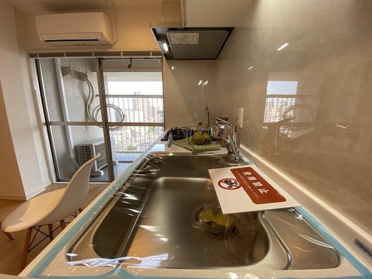 料理を楽しむキッチンスペース。使いやすさと心地よい暮らしを追及し、愛着を持って長く使いつづけられる理想の空間になりました。