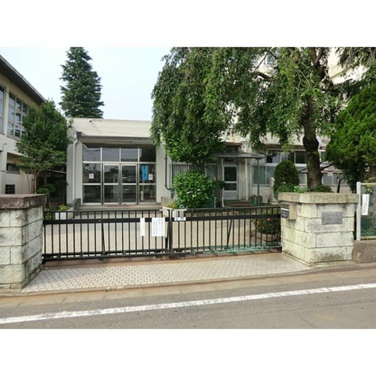 練馬区立泉新小学校(約260m)