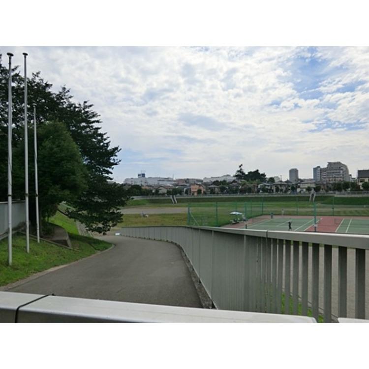 びくに公園(約400m)