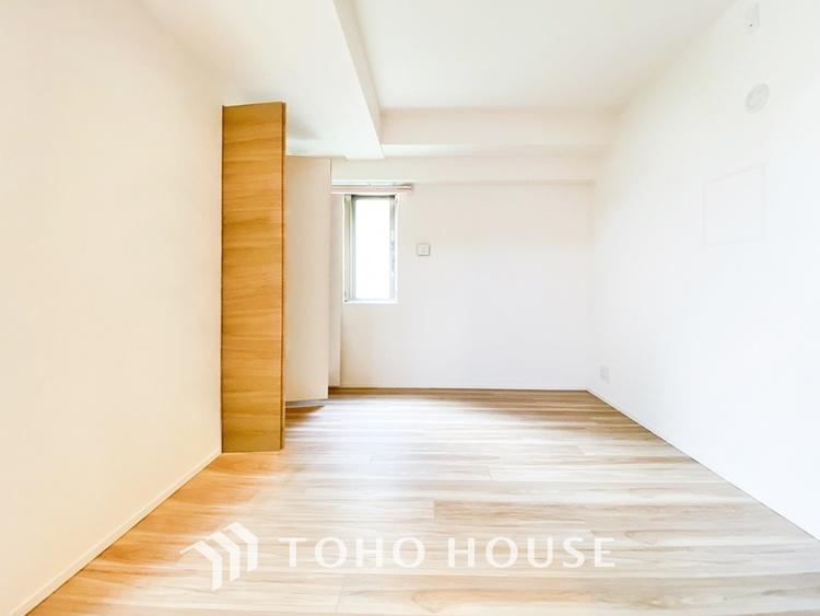 〜居室〜 全ての居室に収納を完備しています。普段のお洋服やかさばる荷物を収納スペースに片付けその分居室をしっかりと有効活用していただけます。