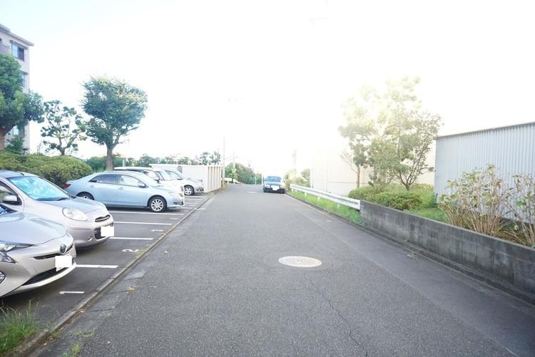 敷地内の駐車場です。