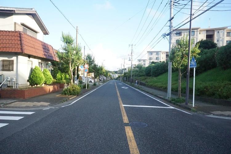 「六浦」駅が最寄り駅です。