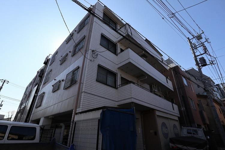 都営三田線「板橋本町」駅徒歩2分。大手町駅まで約20分。都心へダイレクトアクセス可能