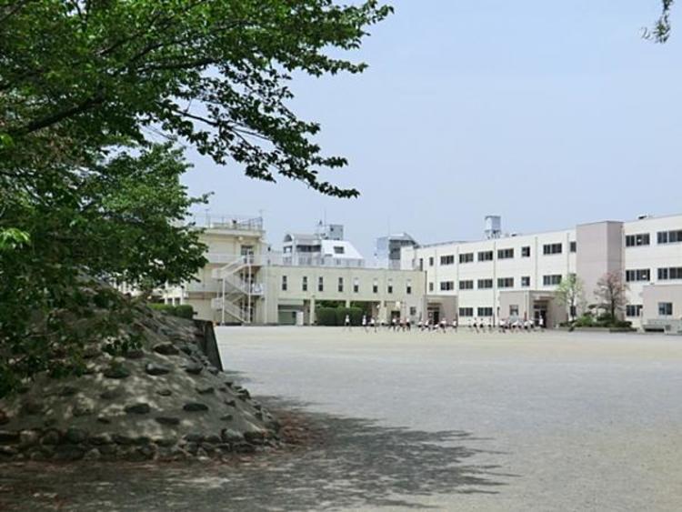 八王子市立由井第一小学校 550m