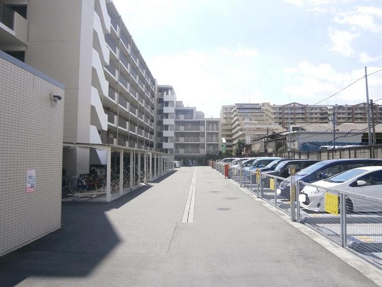 駐車場・駐輪場・バイク置場です(最新の空き状況は要確認)