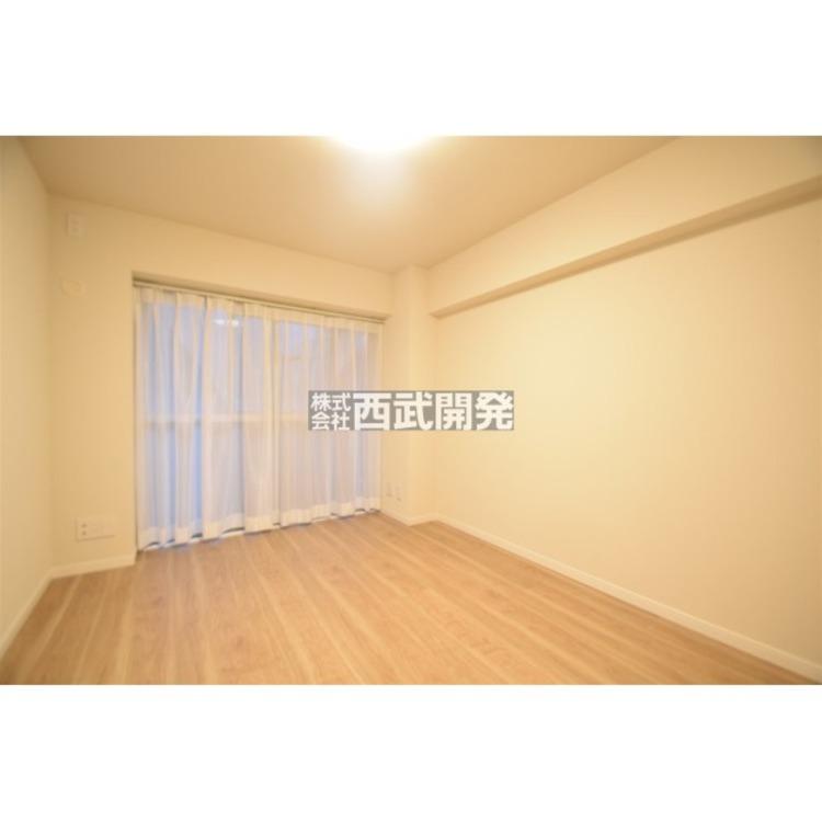 室内にあわせて家具をコーディネート。様々なアイテムをプラスし、ワンランク上の空間を演出してみてはいかがでしょうか。