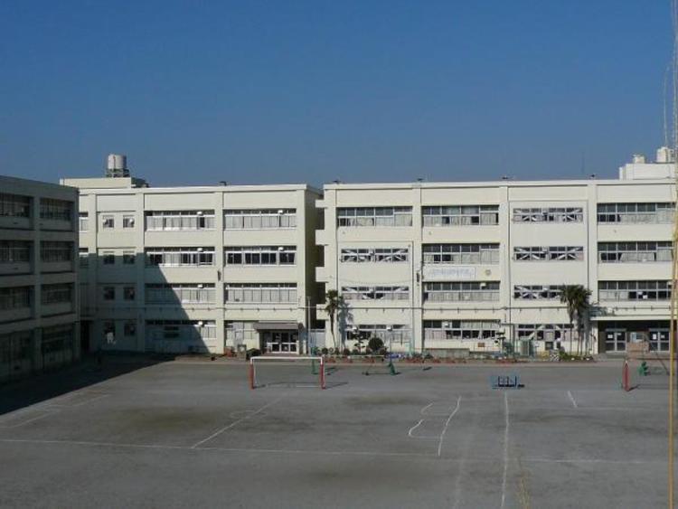 横浜市立三保小学校817m