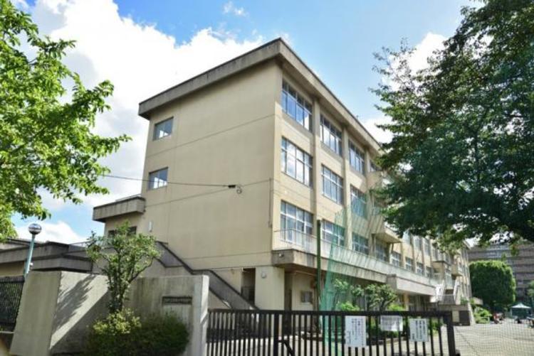 昭島市立瑞雲中学校 1200m