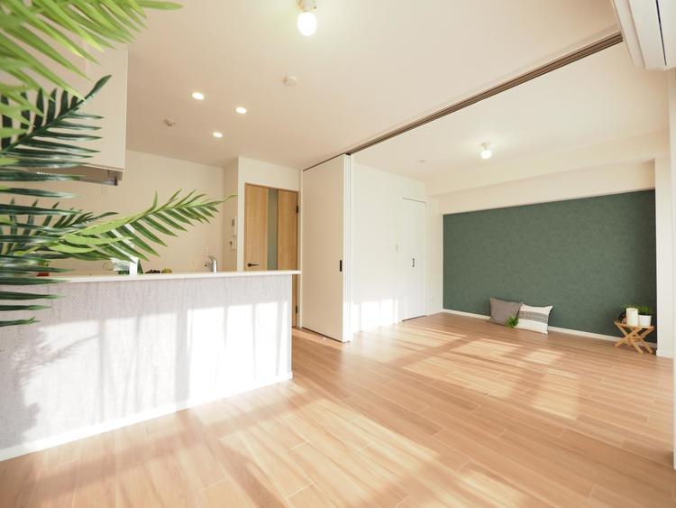 明るく開放的な空間が広がる、キッチン・ダイニング・リビング。