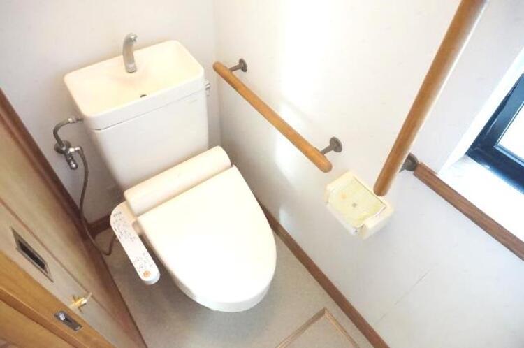 快適なシャワートイレで嬉しいですね。
