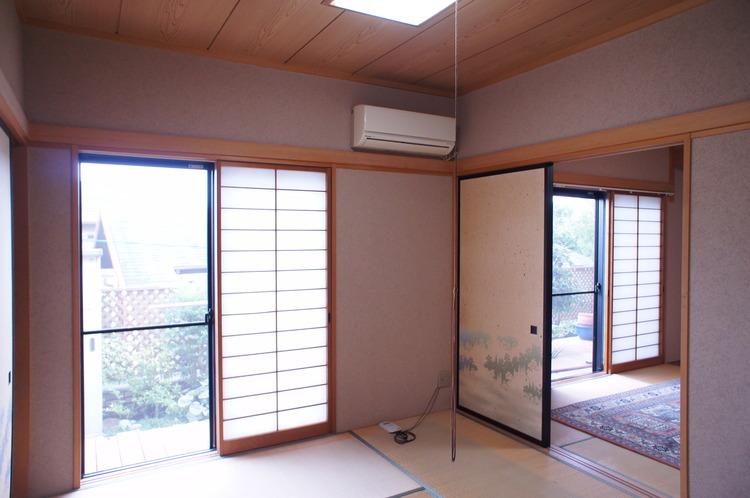 二間続きの和室は空間を広くお使い頂く事も可能です。