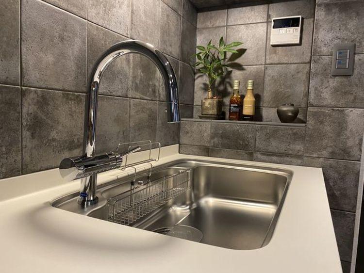 大きな調理器具や食器類もゆったり洗える大型シンクが嬉しいですね。