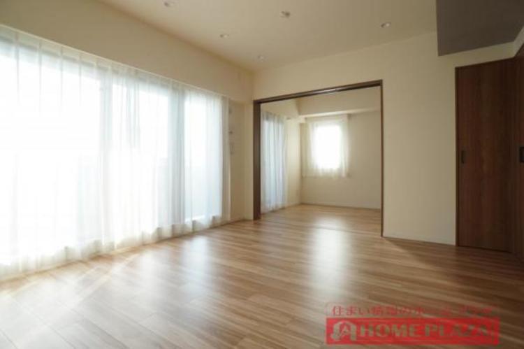 床暖房完備で空気を乾燥させずに足元から暖まることができます。