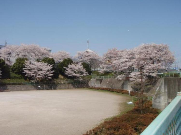 下椚田公園 638m
