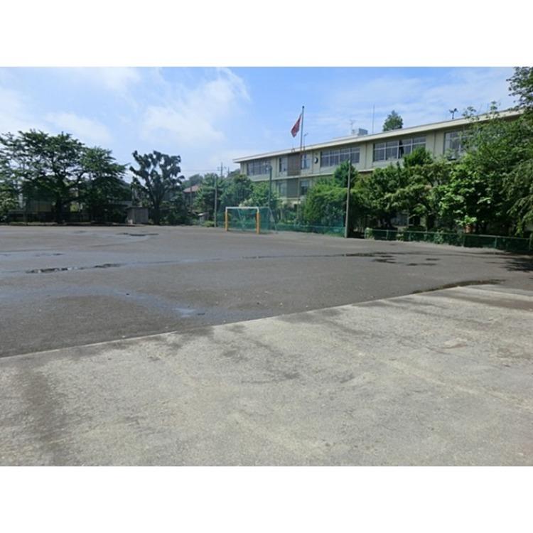 第二小学校(約770m)