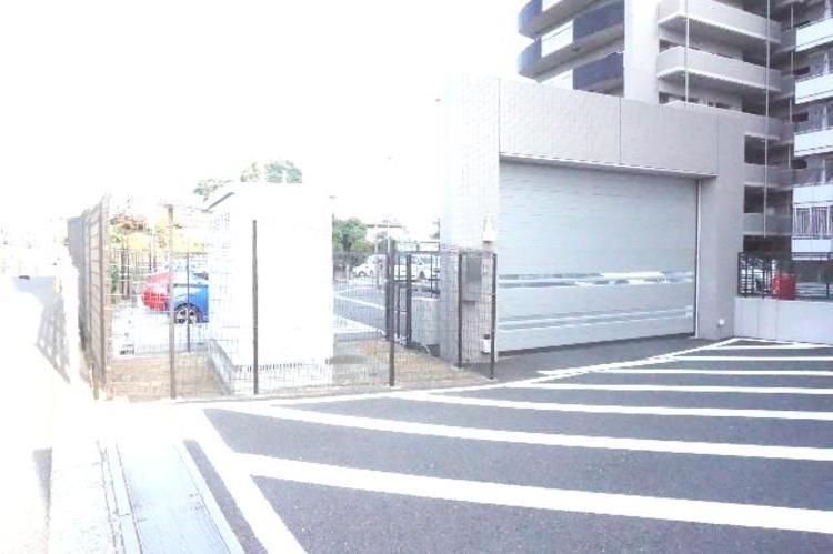駐車場入り口です。