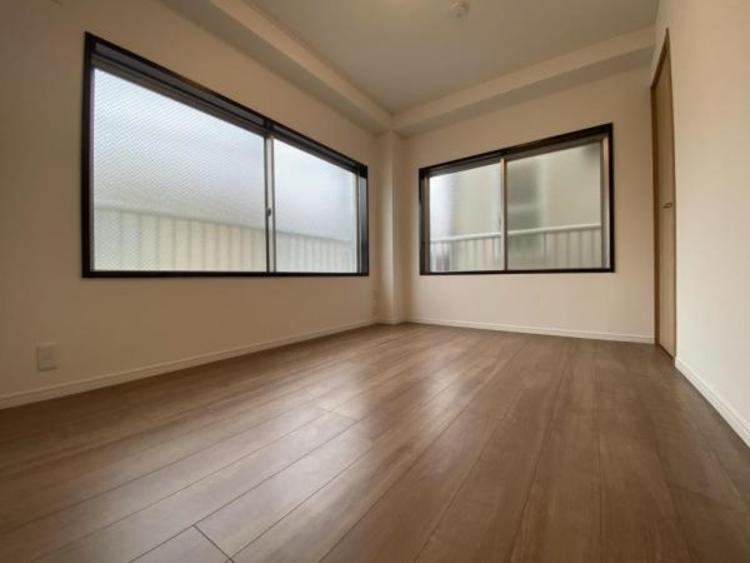 2F南側洋室(6.0帖) 全居室収納スペースあり!荷物が多くても十分に納まります