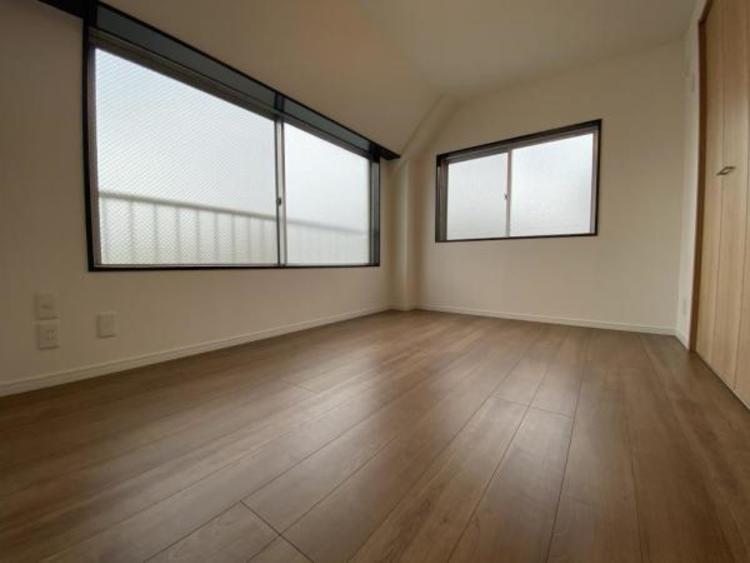3F洋室(6.0帖) どの居室も明るく通風良好です