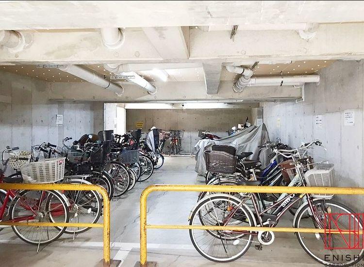 駐輪場の様子。とてもきれいに管理されています。