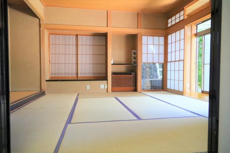 和室です。畳のお部屋は寛げる空間ですね。