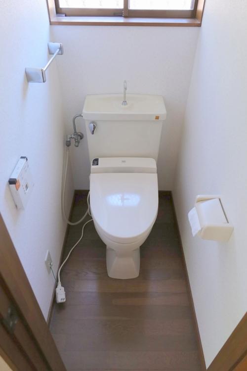 快適なシャワートイレで、うれしいですね。
