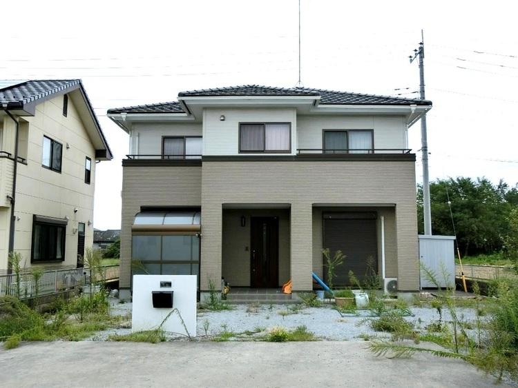 東武日光線「家中」駅より徒歩約4分の中古一戸建てのご紹介です。