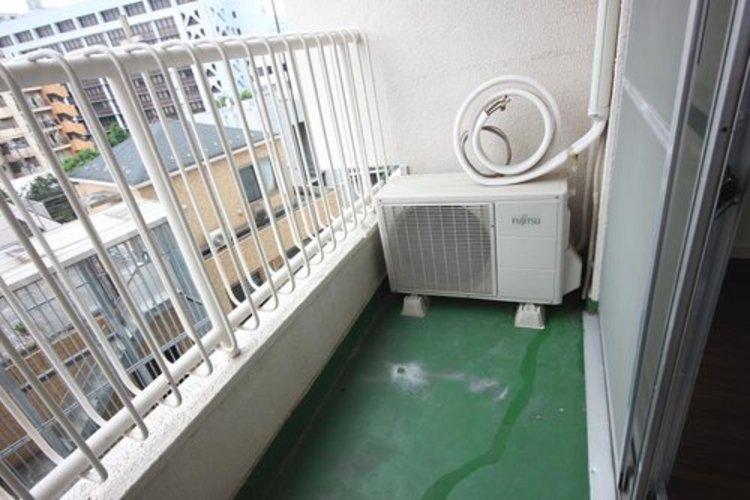広々としたバルコニーは洗濯物もゆとりを持って干せますね。