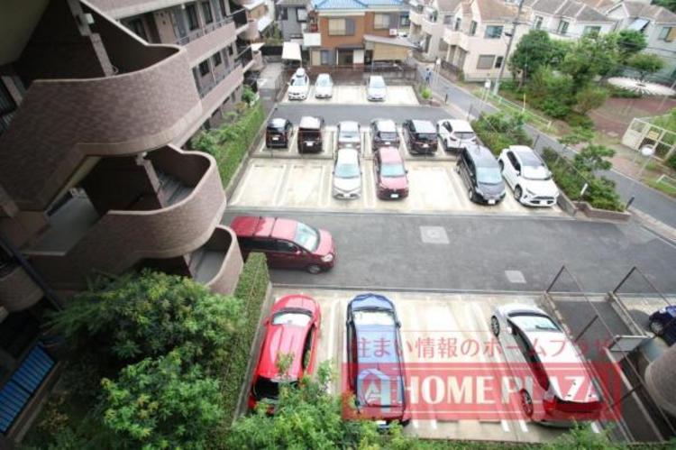 人気の平地の駐車場です。