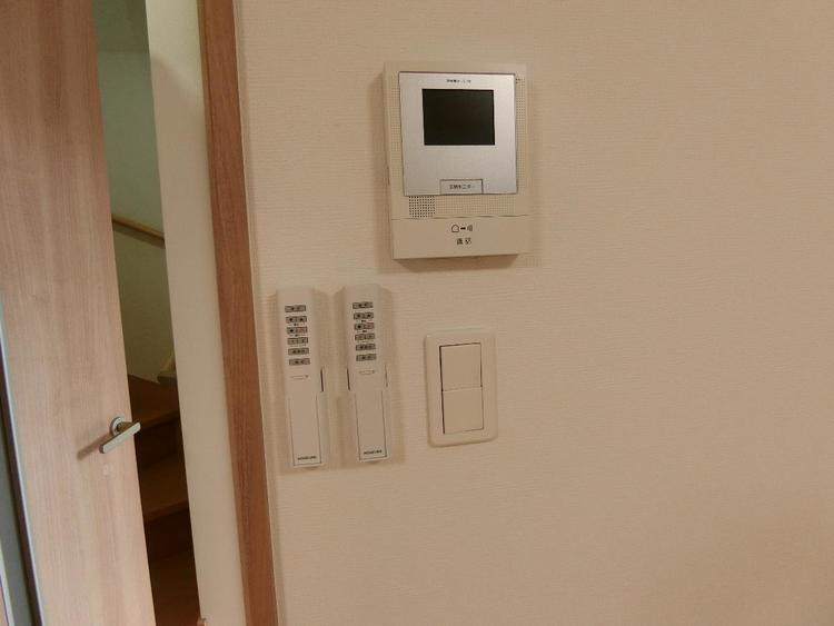 TVモニターでお部屋からお客様を確認できるので便利ですね。