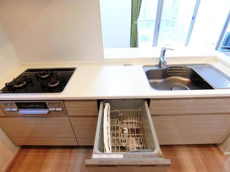 食器洗浄乾燥機付きです。