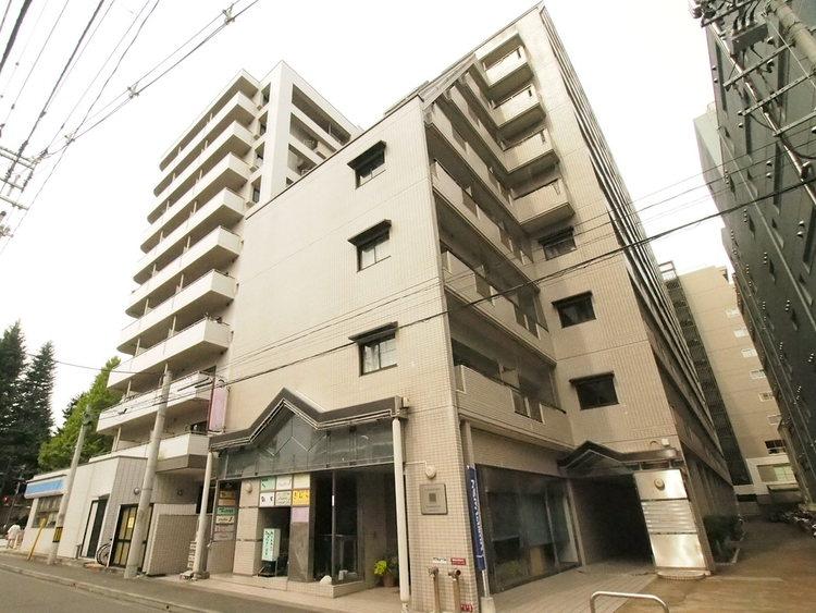 仙台市地下鉄南北線「北四番丁」駅徒歩約6分。