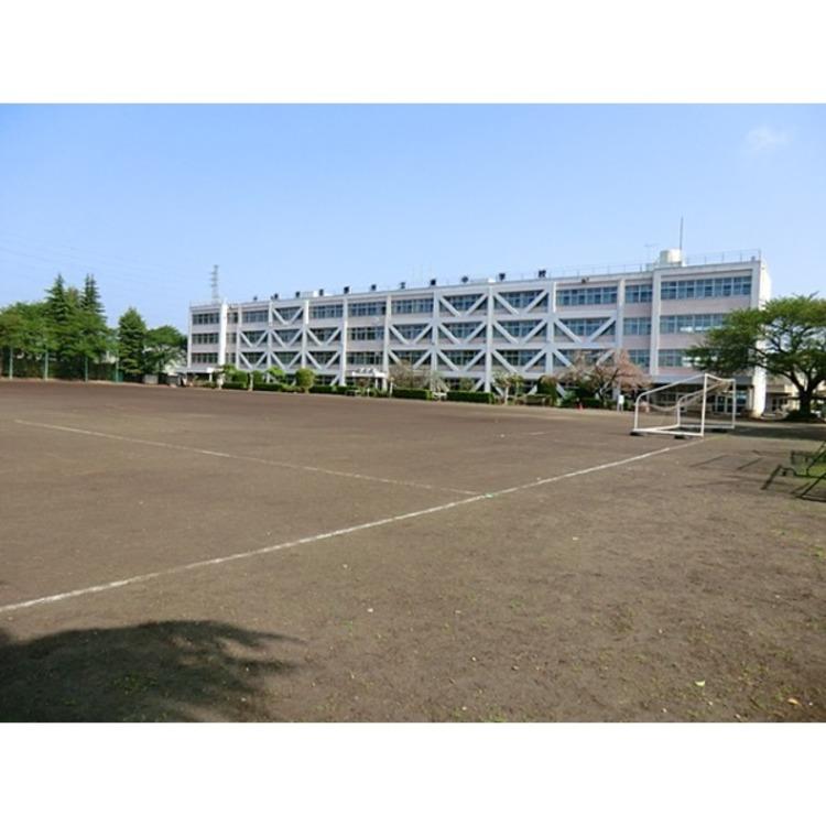 東中学校(約3200m)