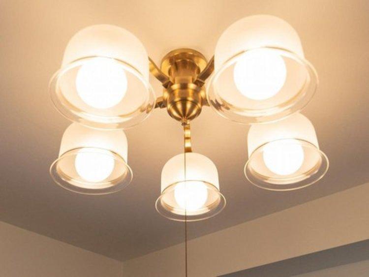 お部屋にある残された照明や、カーテンは撤去することもそのまま残すことも買主さまにお任せいたします。なんなりとご相談ください。
