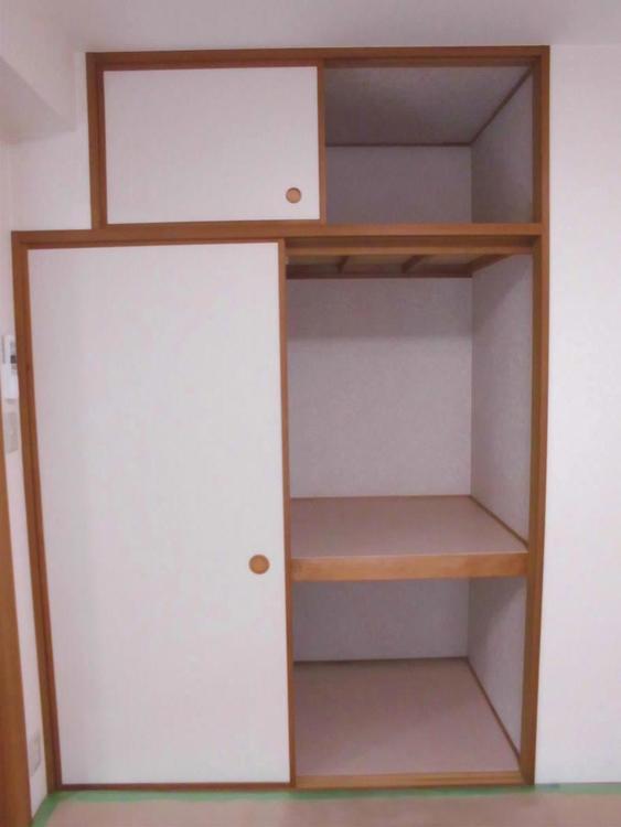 和室収納はお布団など収納するのに重宝しますね。