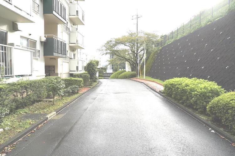小田急線「本厚木」駅をご利用いただけます。