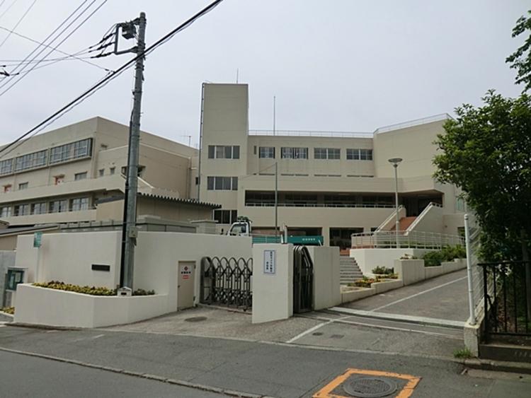 厚木市立毛利台小学校 徒歩2分(約130m)