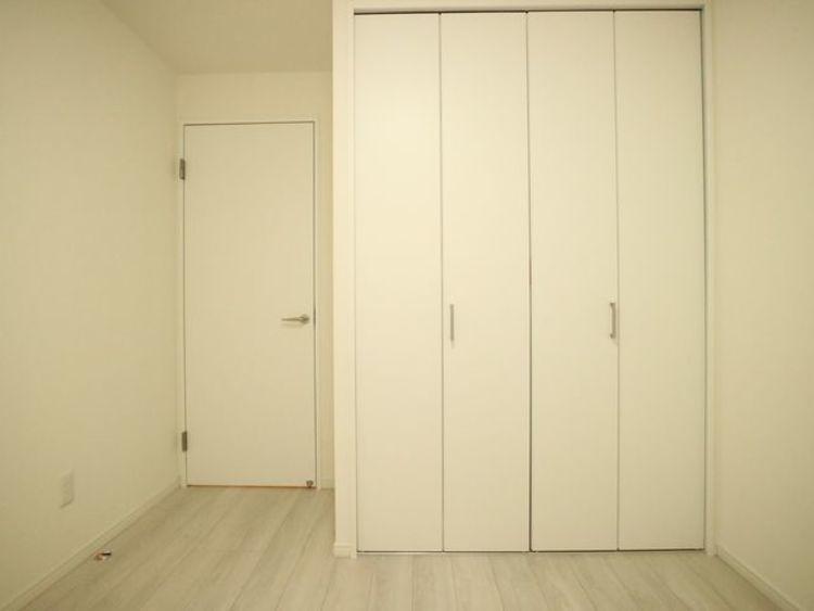 過ぎ行く時間をゆったりと感じることができる落ち着いたお部屋。静かな環境でリラックスタイムを。