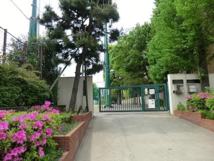 松濤中学校 490m
