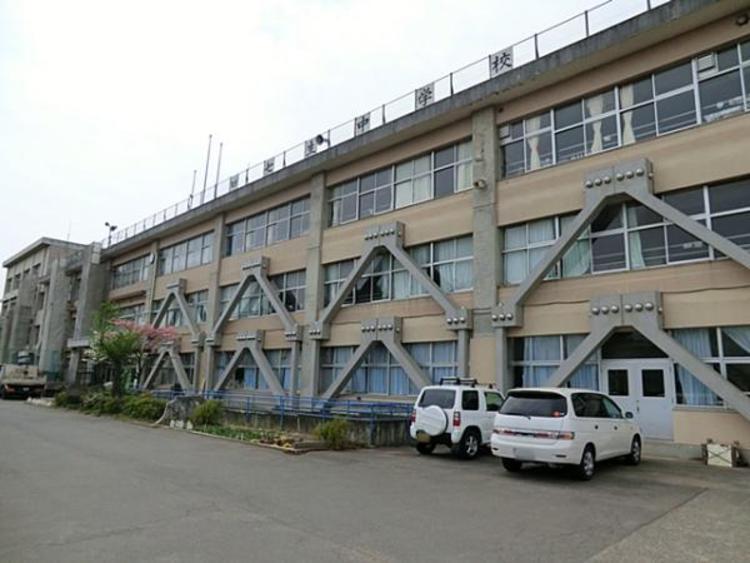 日野市立七生中学校 1940m