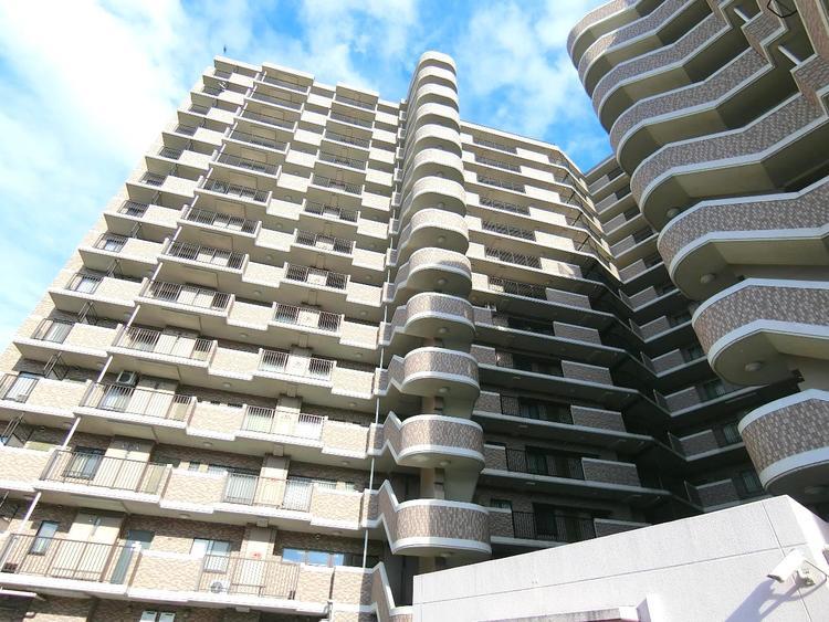 14階建のマンションです