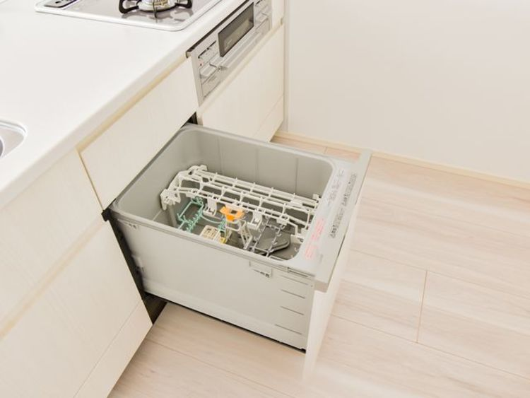 ビルトイン食洗器は洗い物の時間を大幅に減らしてくれます。余った時間で家族とゆっくり過ごせますね。