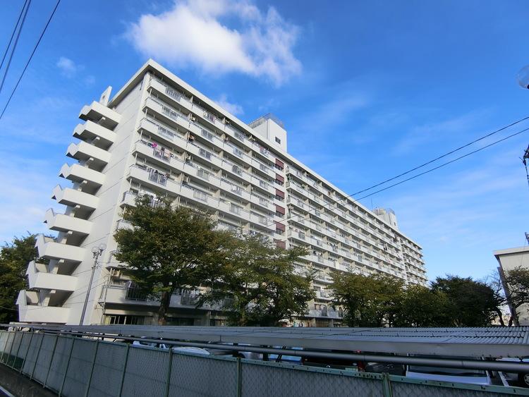 鹿島田グリーンハイツの外観です。