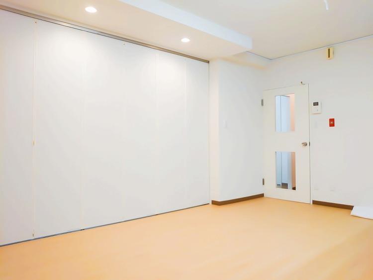 室内がホワイト系で統一されているので上品な空間です。